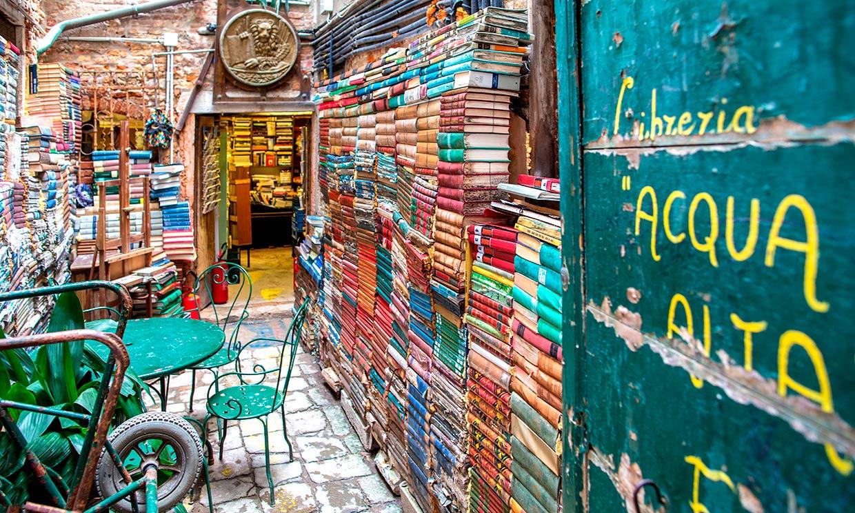 La librería más original del mundo, donde los libros van en góndola