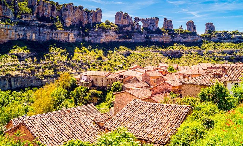 ¿Por qué Orbaneja del Castillo es el pueblo más bonito de Burgos?