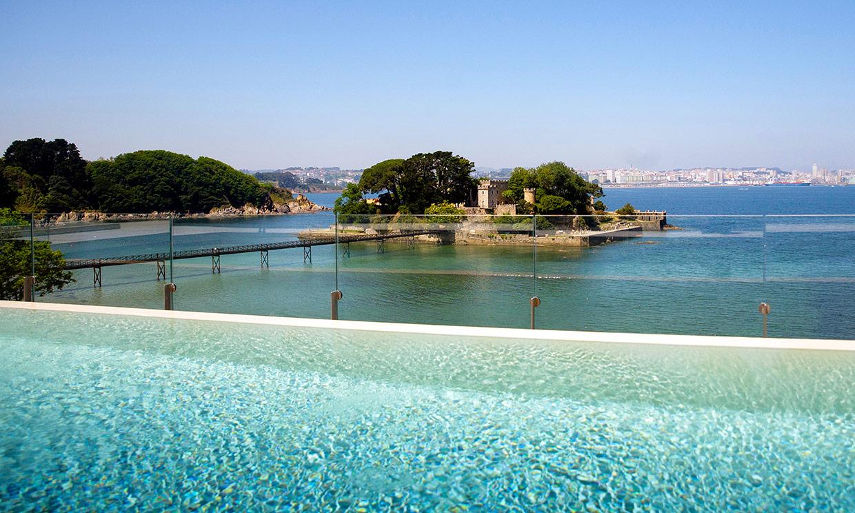 Las mejores piscinas de hotel (para refrescarnos y tomar algo)