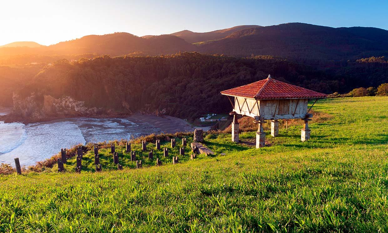 El Camino de Santiago del Norte: 12 paradas junto al mar