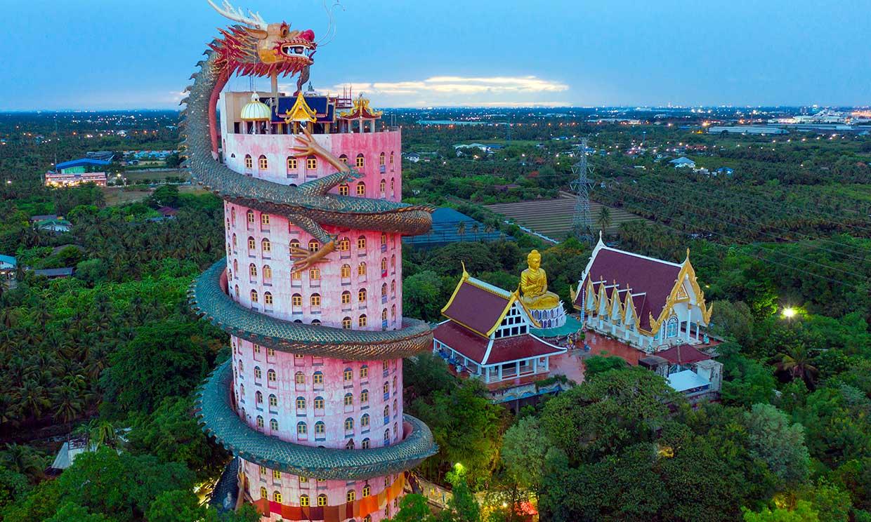 Dragón come torre, un templo tailandés para frikis