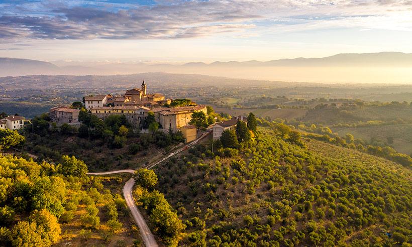 Al volante por la región de la Umbría, la otra Toscana