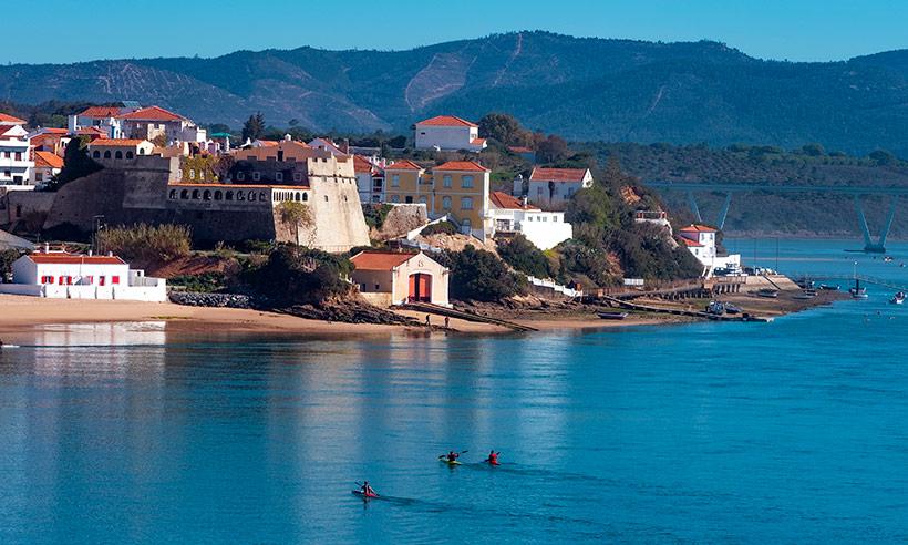 Vila Nova de Milfontes, el tesoro costero del Alentejo