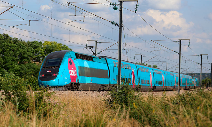 El tren de alta velocidad «low cost» vende ya sus billetes a 9 €