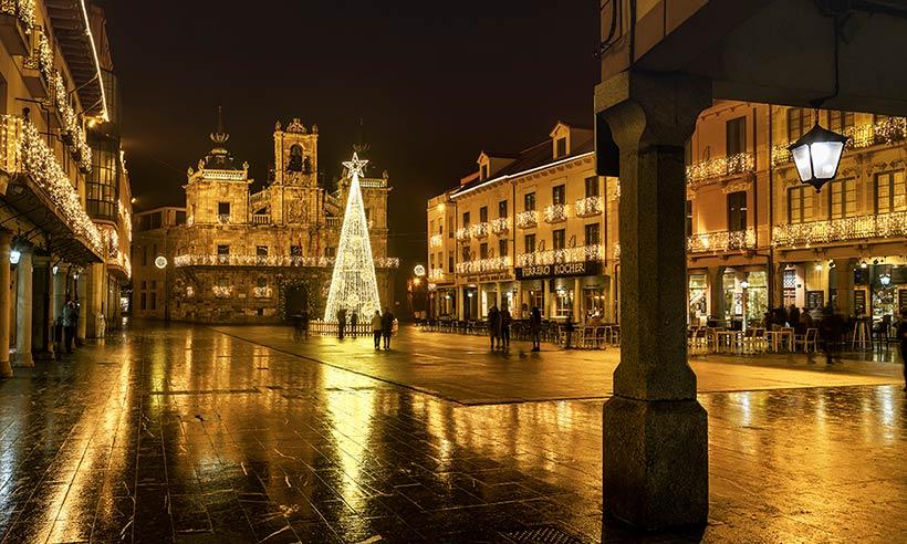 Astorga, el pueblo que más brilla esta Navidad