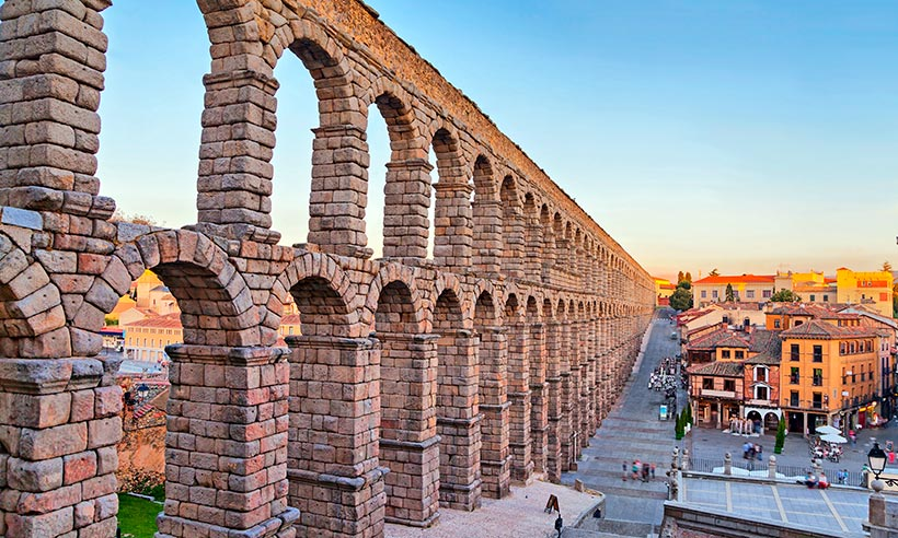 Mil planes por hacer en torno al Acueducto de Segovia