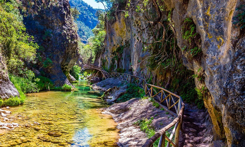 Las pasarelas más impresionantes de España, además del Caminito del Rey