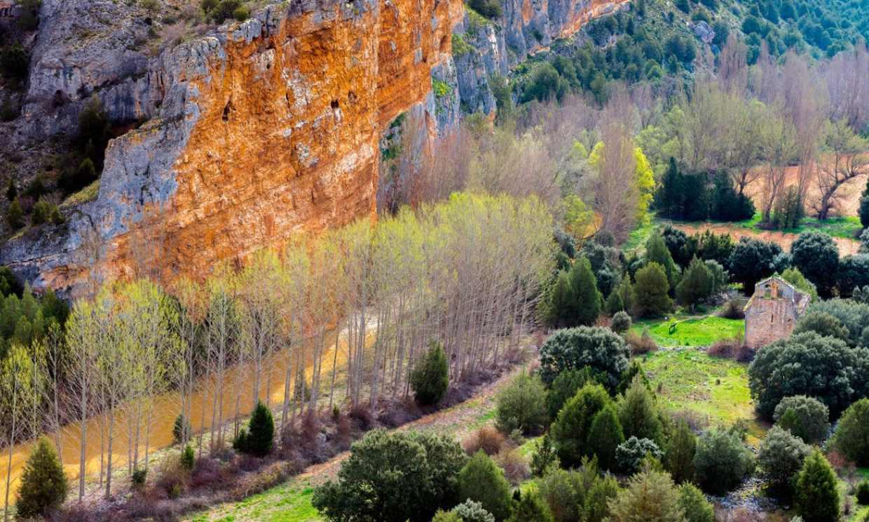 Por las hoces del río Riaza, el paseo más apetecible de Segovia