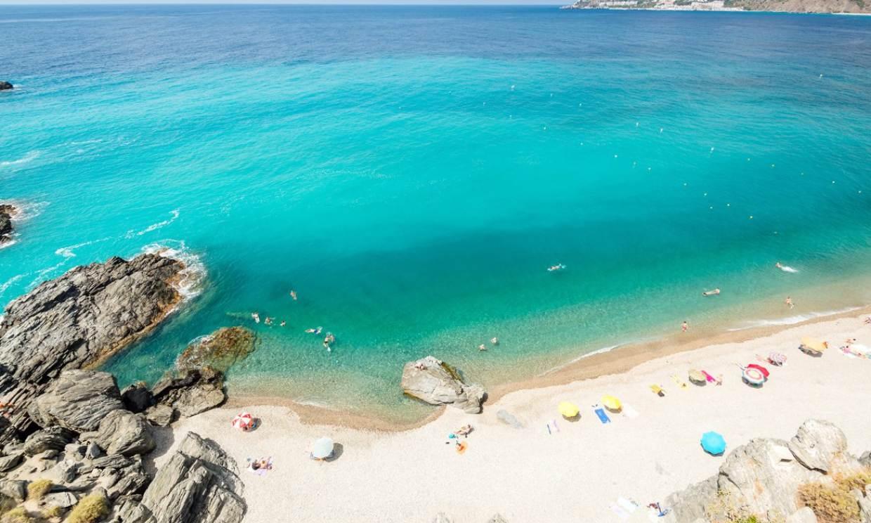 Almuñécar y La Herradura, dos paraísos en la costa de Granada para este verano