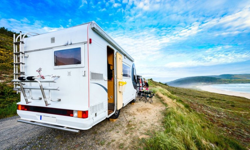 Motorhomes allow you to enjoy incredible views like this one in front of the Atlantic beaches.