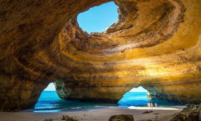 La cueva de Benagil, la excursión más buscada del Algarve