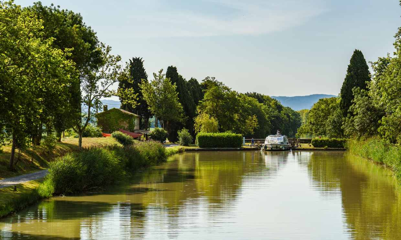 El Canal du Midi, en coche o en barco, tú eliges
