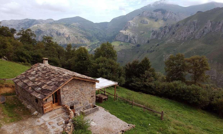 Cabañas con chimenea donde alojarte en los verdes valles pasiegos