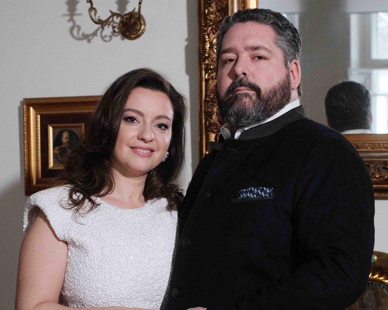 Jorge Romanov se compromete con Rebecca Bettarini
