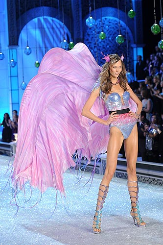 Victoria Secret Fashion show 2011