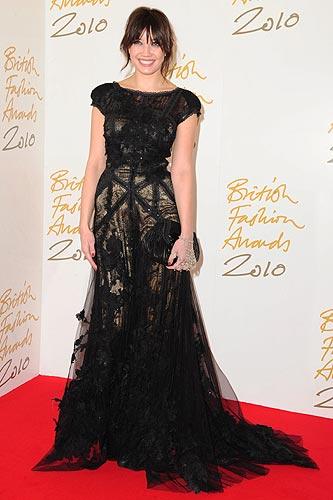 http://www.hola.com/moda/tendencias/visores/british-fashion-awards-2010/images/disenadores/british-fashion/british-fashion-001a.jpg
