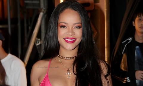 Rihanna happy in exclusive relationship