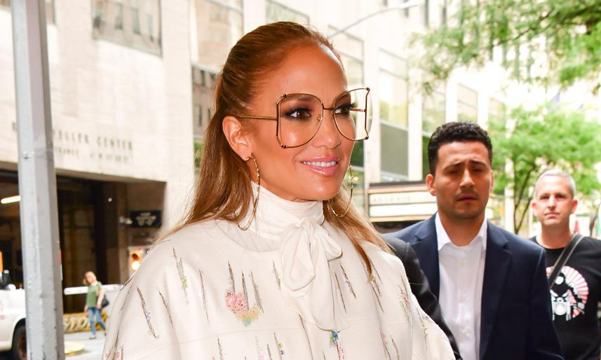 Jennifer Lopez Was Seen With The Hottest Hair Accessory