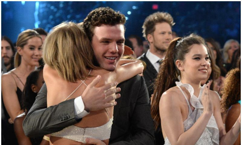 Austin Swift dedicates sweet words to his sister
