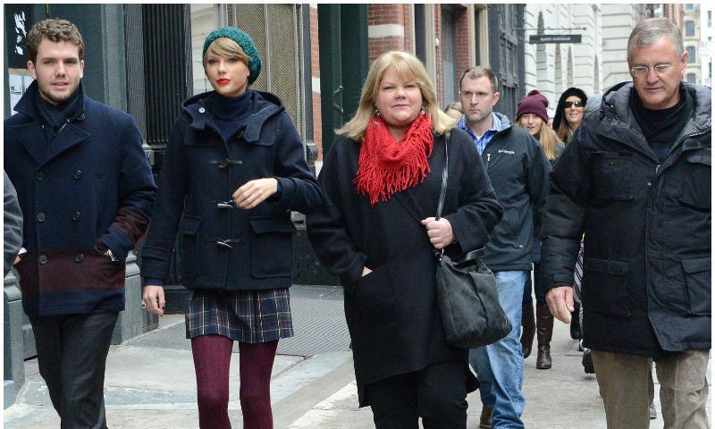Taylor and Austin Swift spend time with family
