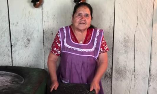 Mexican Abuelita S Cooking Videos Are Going Viral On Youtube