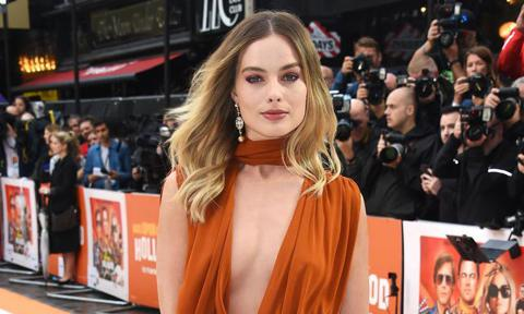 Margot Robbie red carpet new film