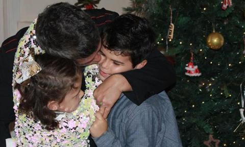 Alejandro Sanz kisses son Dylan and daughter Alma in rare new photo