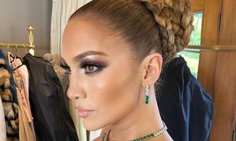 Jennifer Lopez Rocks A Timeless Braided Bun At The 2020 Golden Globes