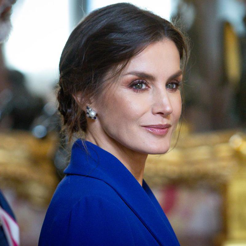 Queen Letizia kicks off New Year on a stylish note