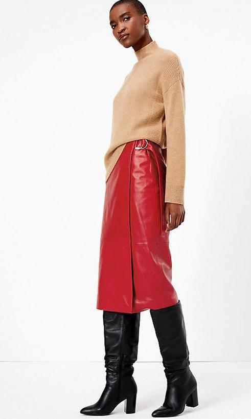 Leather Wrap Midi Skirt de la firma Marks and Spencer