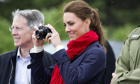 Kate Middleton steps behind camera to photograph Holocaust survivors