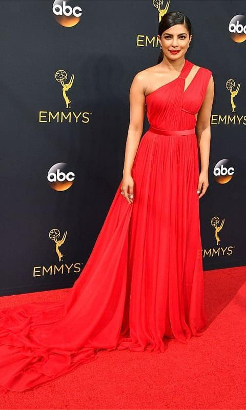 At the 2016 Emmys she was crowned one of the best dressed
