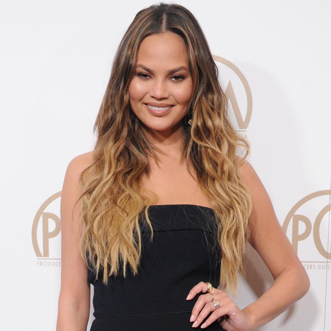 Chrissy Teigen with balayage highlights