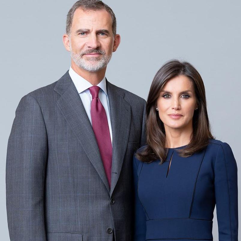 Spanish Royal family new official pictures Queen Letizia King Felipe