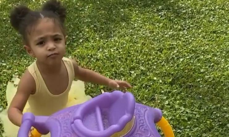 Serena Williams' daughter Olympia has hilarious reaction to rain