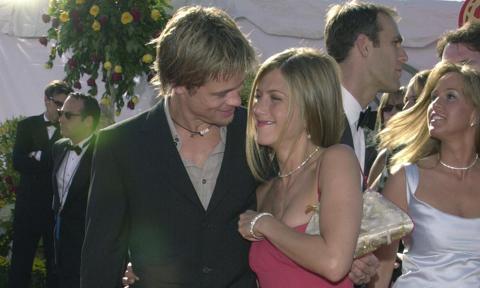 Brad Pitt Jennifer Aniston S 2000 Wedding A Tbt Look Back