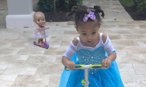 Serena Williams' daughter Olympia scoots around