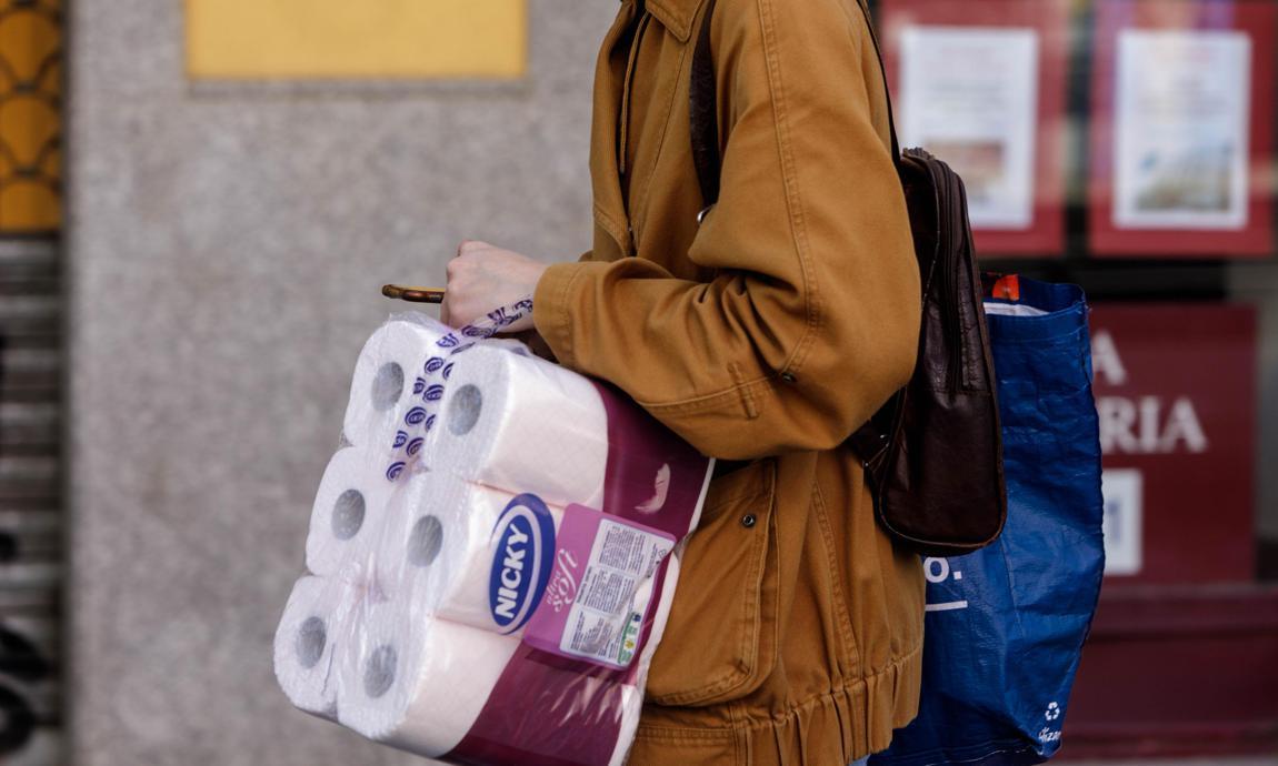 Coronavirus: ¿por qué se dan las compras irracionales de papel higiénico?
