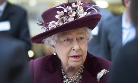 Queen Elizabeth heads to castle amid coronavirus pandemic