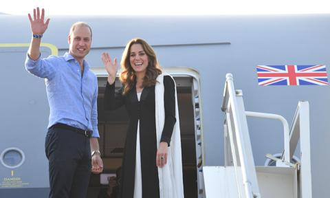 Kate Middleton and Prince William say goodbye to the public in Pakistan