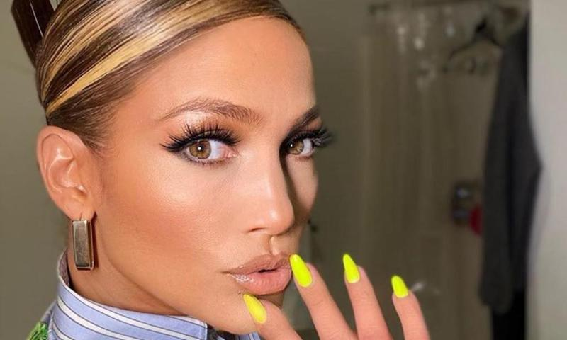JLo does manicure – and it only takes 8 hours! A-Rod shares results