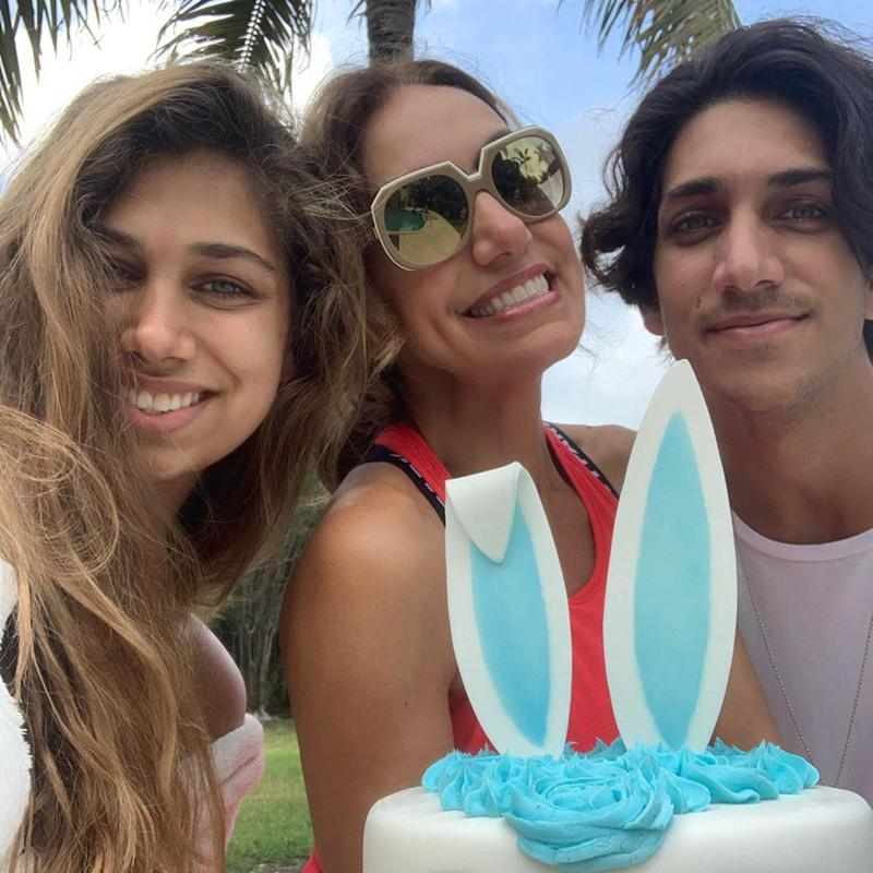 Lili Estefan with her children, Lina and Lorenzo