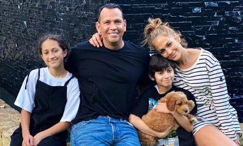 Jennifer Lopez & Alex Rodriguez Surprises Her Son With New Puppy