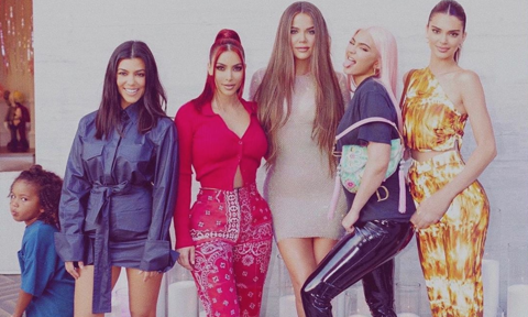 Kim Kardashian posts Spice Girls-inspired group shot with her sisters