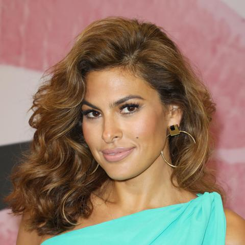 New York & Company Celebrates Store Opening With Eva Mendes