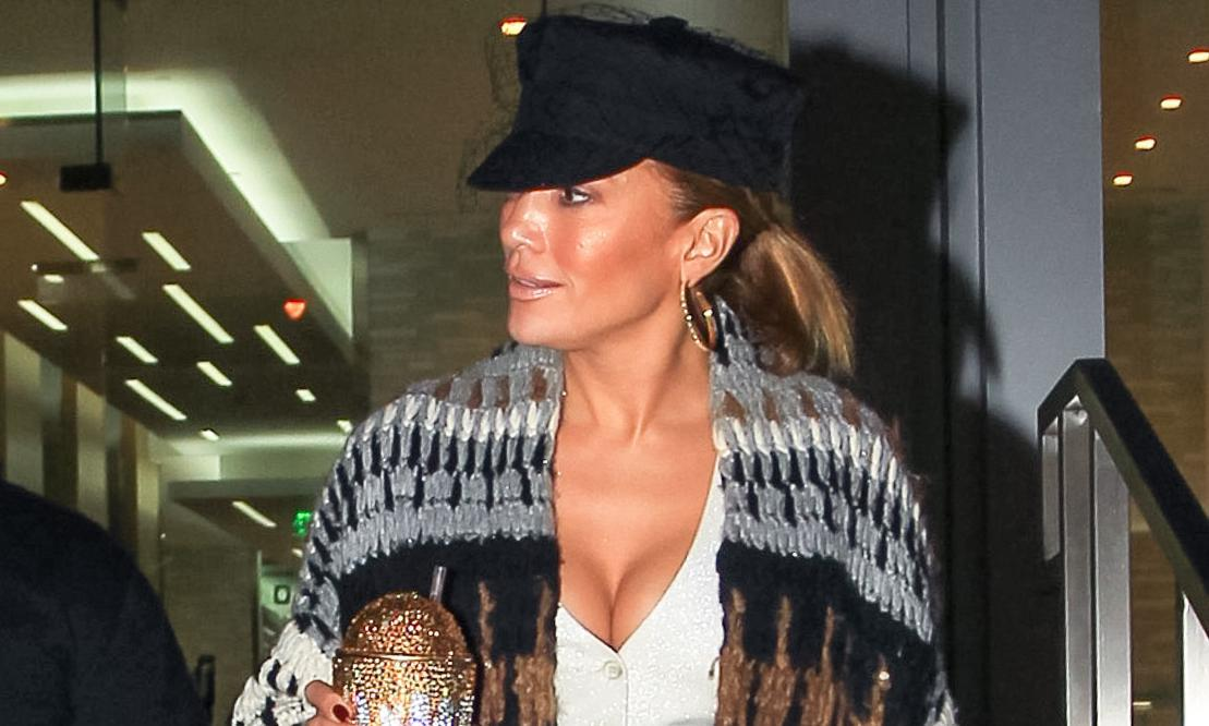 Jennifer Lopez's solo night out is goals on so many levels and more photos