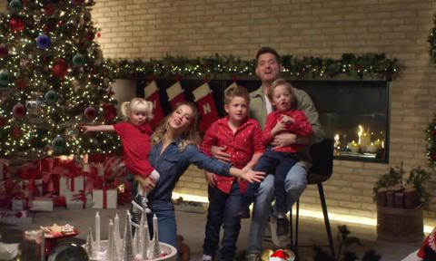 Michael Bublé's kids steal the show during his holiday performance