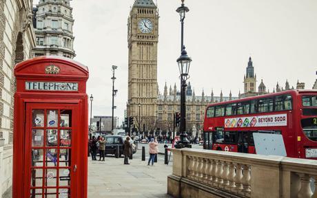 Cabina de teléfono roja, autobús rojo y el Big Ben