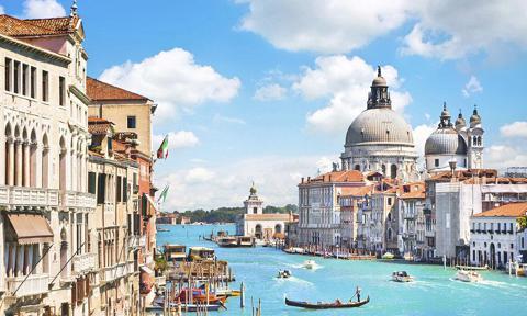 Canal Grande y Basilica di Santa Maria della Salute en Venecia