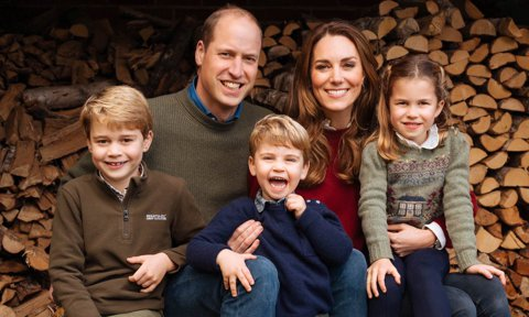 Kate Middleton and Prince William officially release Christmas card